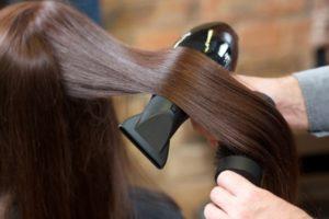 長い髪のブロー